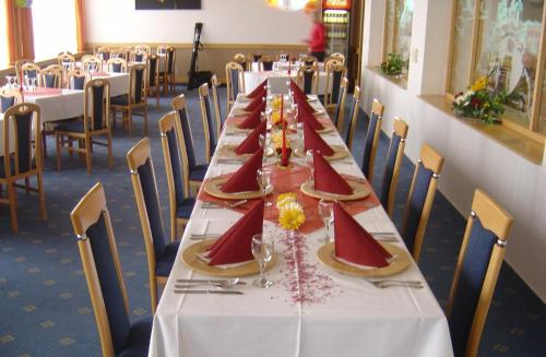 A restaurant or other place to eat at Hesperia Hotel Olomouc
