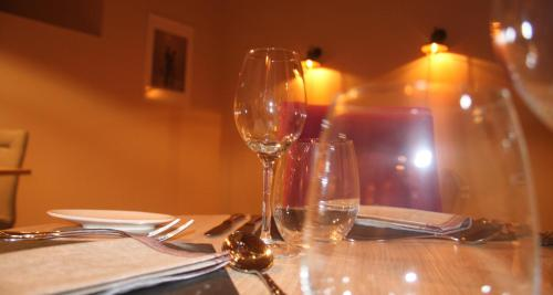 A restaurant or other place to eat at La Belle Montoise