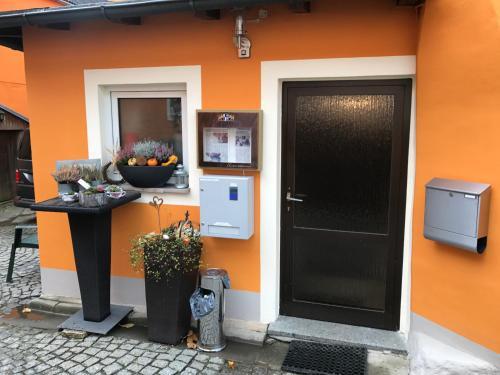 Телевизор и/или развлекательный центр в Gasthof zum Waldstein