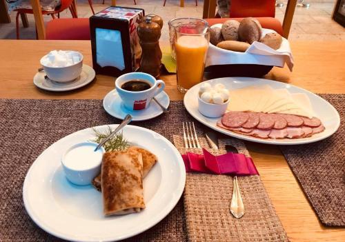 Завтрак для гостей Бутик Отель 12