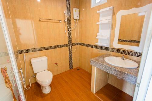 Ванная комната в Surin Sunset Hotel - SHA
