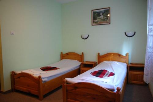 A bed or beds in a room at Balkanski chanove