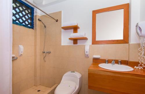 A bathroom at Hotel Fiesta