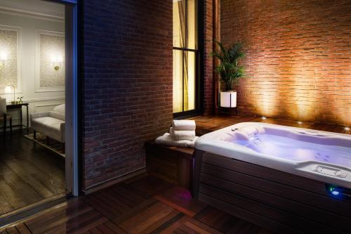 Spa and/or other wellness facilities at The Adelphi Hotel