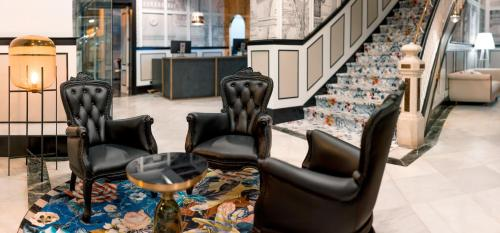 El vestíbulo o zona de recepción de SH Ingles Boutique Hotel