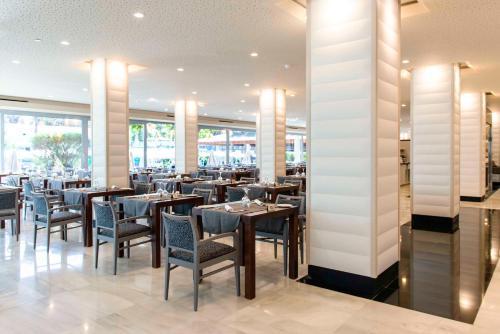 Een restaurant of ander eetgelegenheid bij Spring Hotel Vulcano