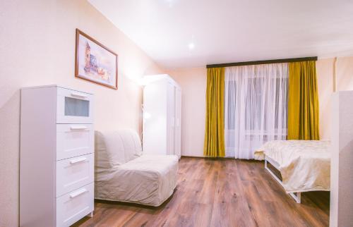 Кровать или кровати в номере RentPiter Pushkinskaya 4 center SPb