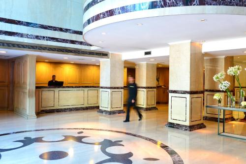 The lobby or reception area at Pestana Buenos Aires