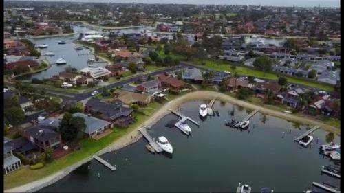A bird's-eye view of Waterfront Retreat
