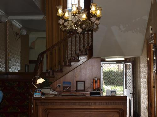 The lobby or reception area at Princes Lodge Motel