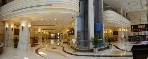 O saguão ou recepção de Al Waleed Tower Hotel