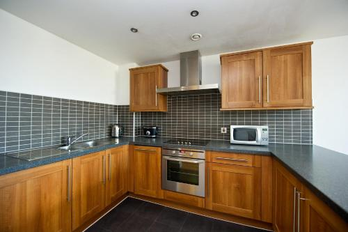 A kitchen or kitchenette at Staycity Aparthotels Duke Street