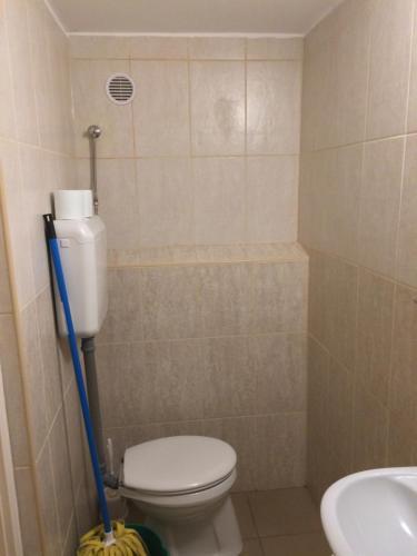 A bathroom at Kolpingház Pécs
