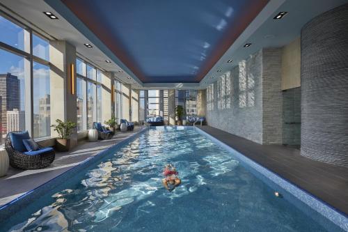 マンダリン オリエンタル ニューヨークの敷地内または近くにあるプール