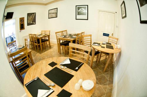 A restaurant or other place to eat at Stanley View Guest House & Hotel
