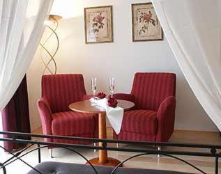 Ein Sitzbereich in der Unterkunft Hotel-Gasthof Sternen