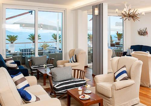 Ein Sitzbereich in der Unterkunft Valamar Sanfior Hotel & Casa