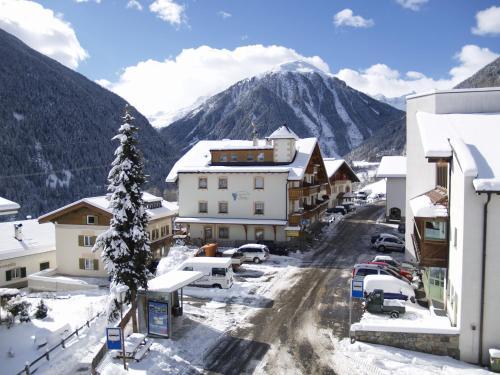 Hotel Traube - Stelvio during the winter