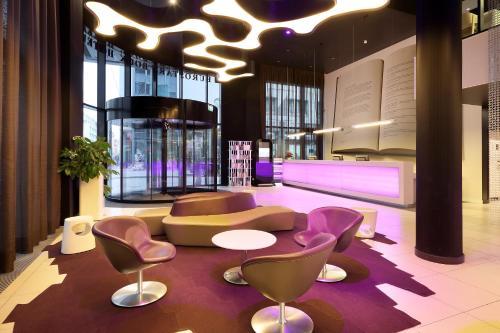 Loungen eller baren på Eurostars Book Hotel