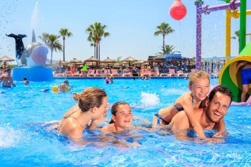 Het zwembad bij of vlak bij Club Mac Alcudia