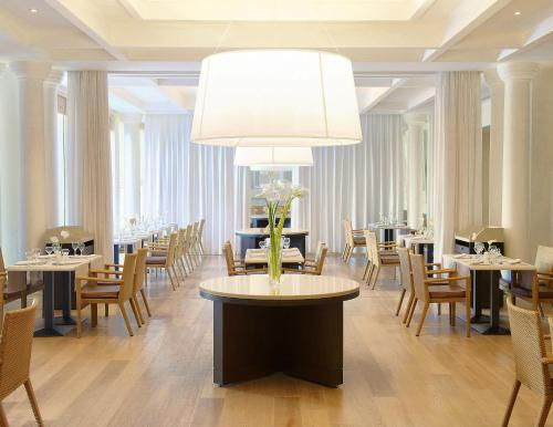 A restaurant or other place to eat at Sheraton Casablanca Hotel & Towers