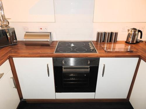 A kitchen or kitchenette at Parks Nest 3