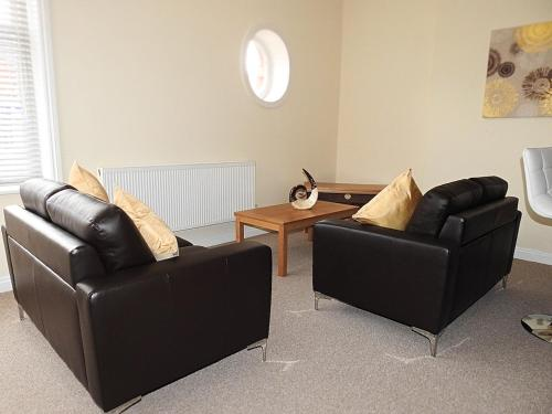 A seating area at Parks Nest 1