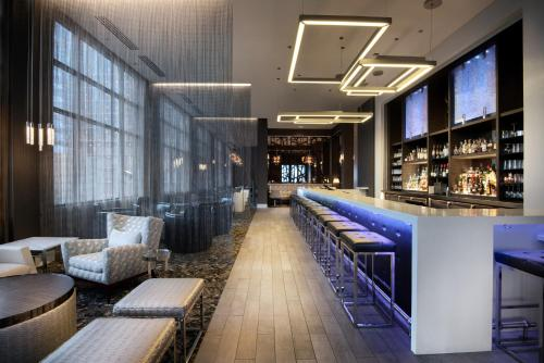 The lounge or bar area at AC Hotel Asheville Downtown