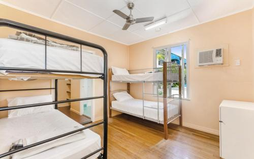 A bunk bed or bunk beds in a room at Civic Guesthouse