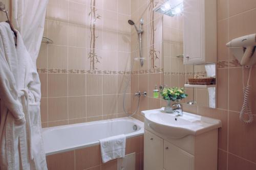 Ванная комната в РЕАВИЛЬ отель-ресторан