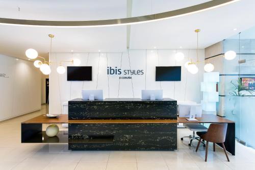 El vestíbulo o zona de recepción de Ibis Styles A Coruna