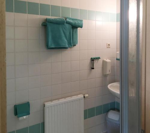 A bathroom at Hotel Lindenthal