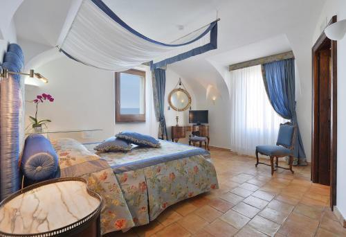 Cama o camas de una habitación en San Francesco Resort