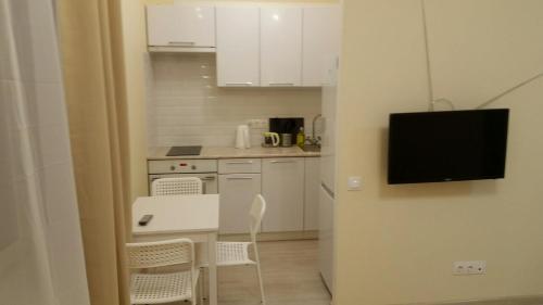 Кухня или мини-кухня в Квартира с видом на Москву-реку на 23 этаже