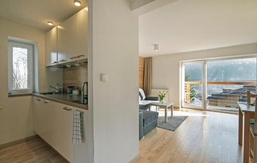 Kuchnia lub aneks kuchenny w obiekcie Apartamenty Orla