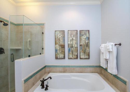 A bathroom at Carpe Beachem