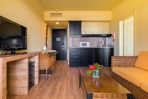 Cuisine ou kitchenette dans l'établissement Calheta Beach - All-inclusive - Savoy Signature