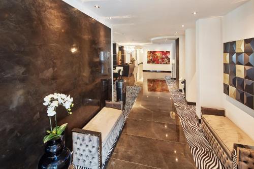 Lobby/Rezeption in der Unterkunft Kurhaus Design Boutique Hotel