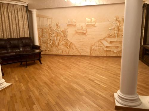 Гостиная зона в Hotel Monarkh