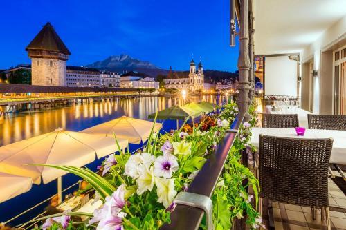 Vista de la piscina de Hotel Des Alpes o alrededores