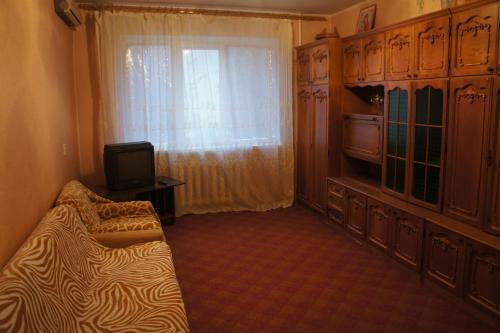 Телевизор и/или развлекательный центр в 2-х комн квартира в удобном месторасположении