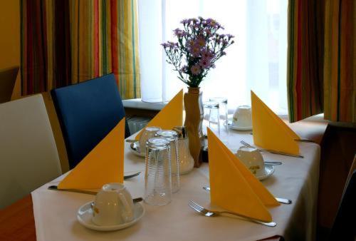 Ein Restaurant oder anderes Speiselokal in der Unterkunft Suite Hotel 200m zum Prater