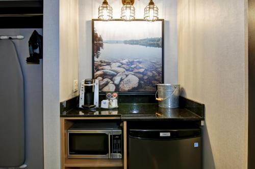 A kitchen or kitchenette at Canalta Lodge