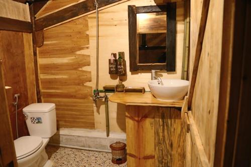 Salle de bains dans l'établissement Mu Cang Chai Eco Lodge