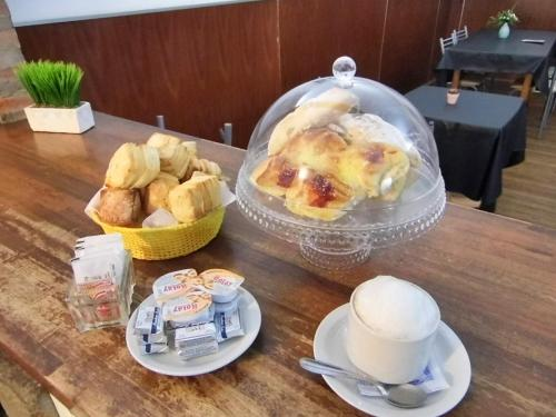 Breakfast options available to guests at Gran Hotel Colón