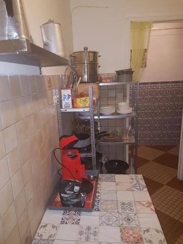 A kitchen or kitchenette at T4 Proche Gare Saint Charles