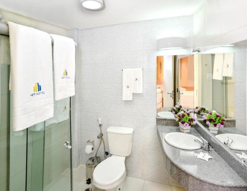 A bathroom at Hit Hotel