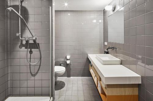 A bathroom at Generator Amsterdam