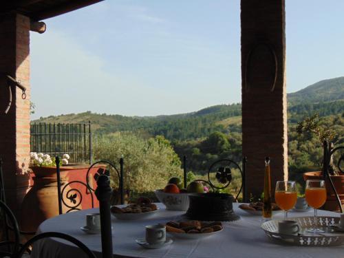 Un restaurante o sitio para comer en Casa El Descanso Del Peregrino