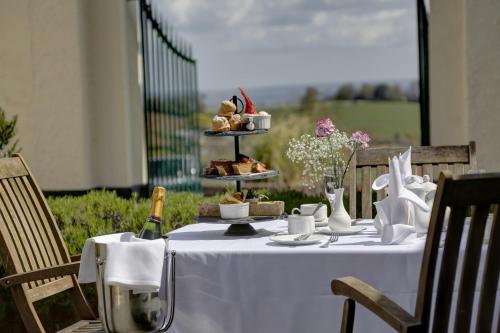 A restaurant or other place to eat at Best Western Lord Haldon Hotel